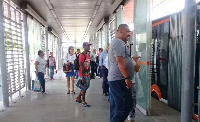 Transcaribe reitera la necesidad de legalizar buses represados en Pereira: Transcaribe reitera la necesidad de legalizar buses represados en Pereira