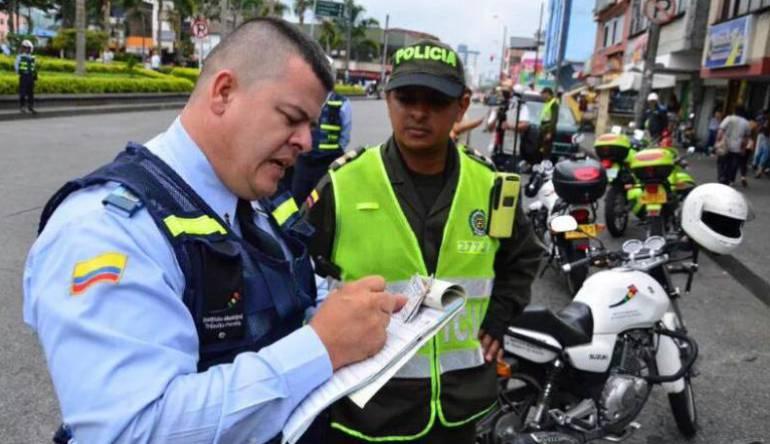 Infracciones de tránsito en Pereira: Manipular un celular mientras conduce, infracción más común en Pereira