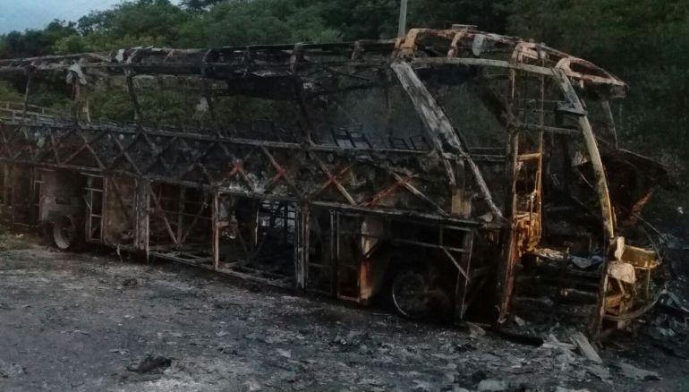 Accidente deja 5 personas muertas y 37 más heridas en la Guajira