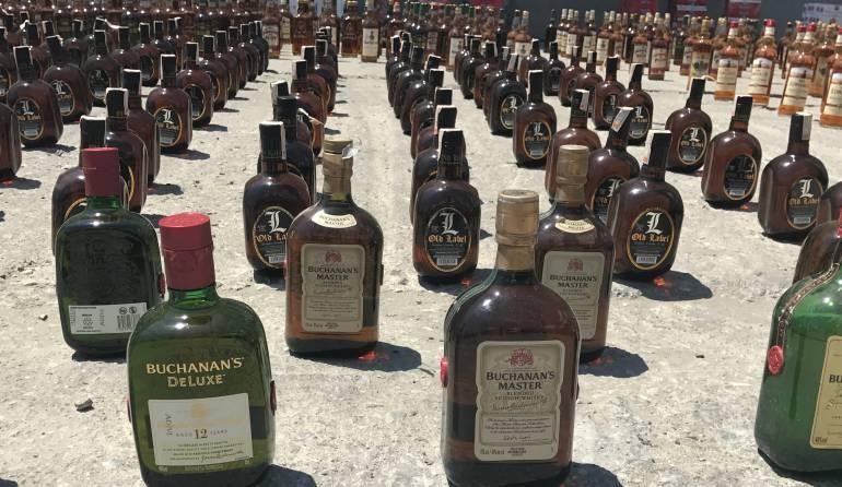 En la aprehensión hay más de 5 mil litros de whisky de contrabando. /FOTO CARACOL RADIO