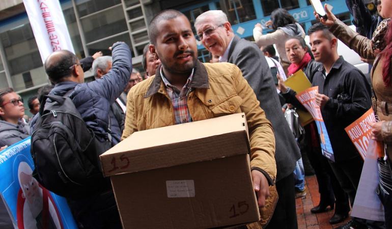 Revocatoria de Peñalosa: Aprueban la revisión física de las firmas que piden revocar a Peñalosa