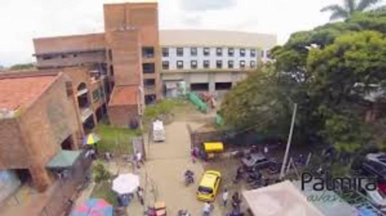 Por irregularidades en millonarios contratos retenidos funcionarios de hospital de Palmira