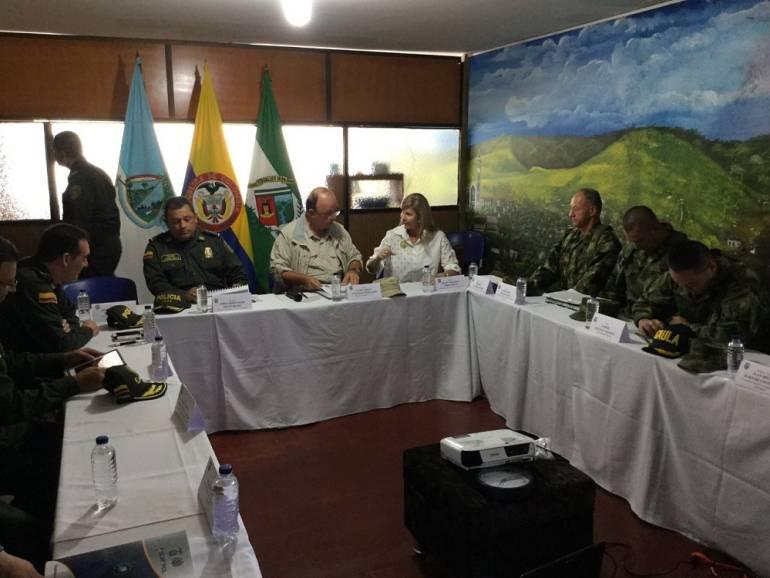 Mindefensa anuncia ofensiva contra el ELN entre el Valle y Chocó — COLOMBIA