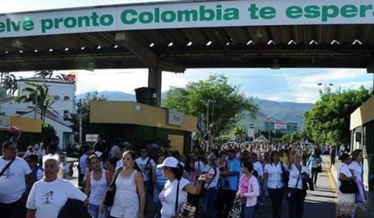 Colombia crea paquete de medidas especiales para migrantes venezolanos — VENEZUELA
