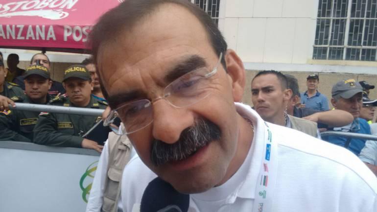 CICLISMO, POLICÍA, VUELTA A COLOMBIA: Un general de la república de cuatro soles participa en la vuelta a Colombia