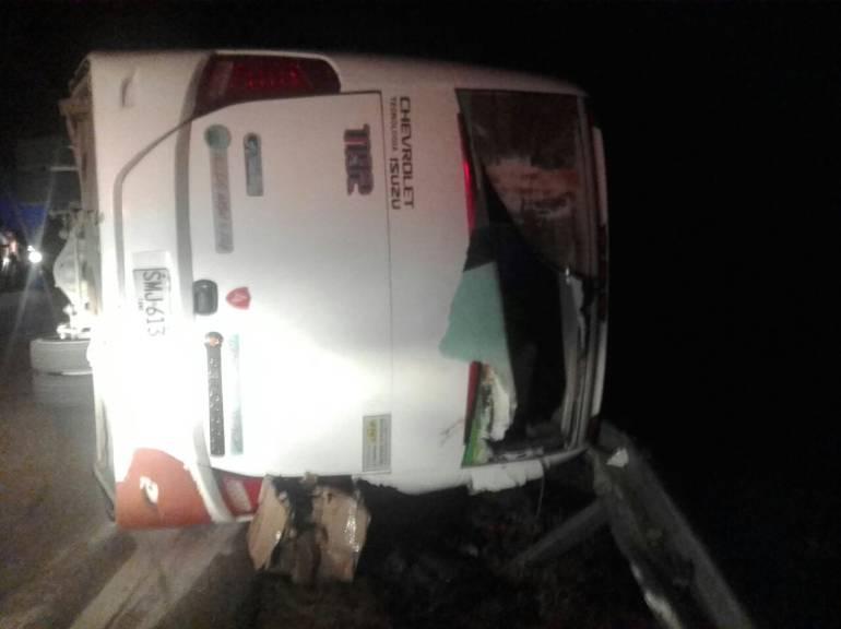 Accidente de bus en Santander deja un muerto y 31 heridos