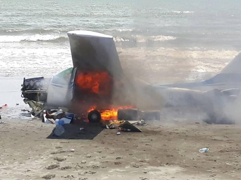 Fuerza Aérea derriba avión que violó espacio aéreo colombiano