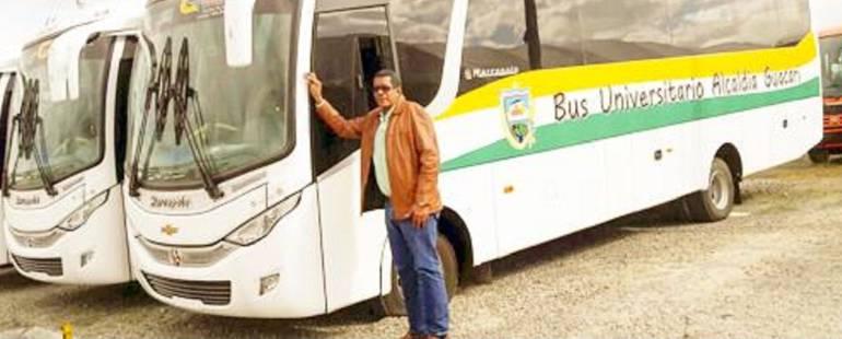 Apoyo a universitarios: Alcaldía de Guacarí apoya a universitarios con transporte