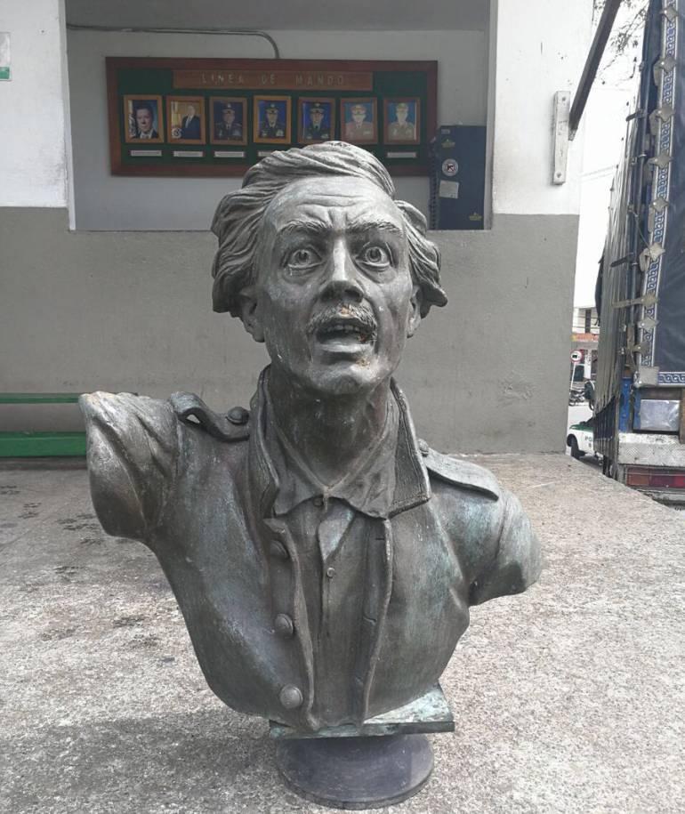 Veinticuatro horas después del robo fue recuperada la escultura.