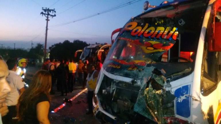Choque de dos buses intermunicipales deja 26 heridos en Baranoa, Atlántico