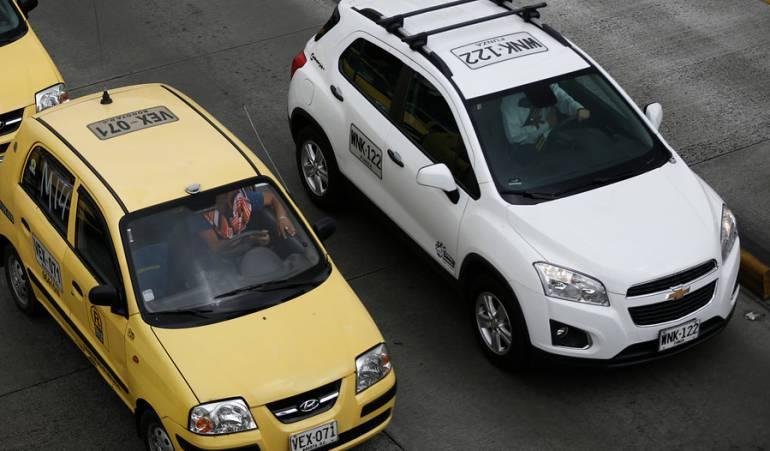 pelas entre taxistas y UBER: Extreman medidas de seguridad para evitar riñas entre taxistas y Uber