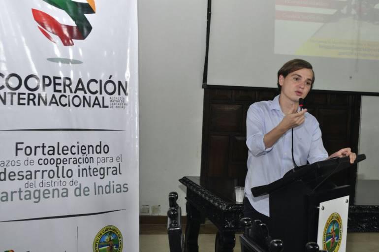Presentan nuevo enlace con Bolívar de la Agencia Presidencial de Cooperación: Presentan nuevo enlace con Bolívar de la Agencia Presidencial de Cooperación