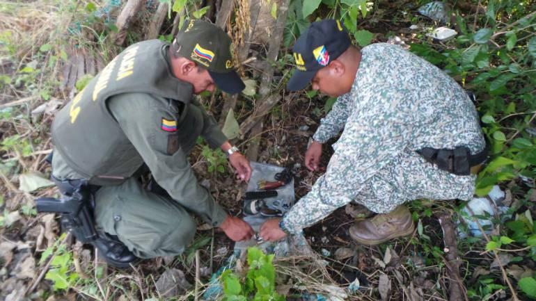 Gaula de la policía de Bolívar halló caleta con armas y explosivos del Clan del Golfo: Gaula de la policía de Bolívar halló caleta con armas y explosivos del Clan del Golfo