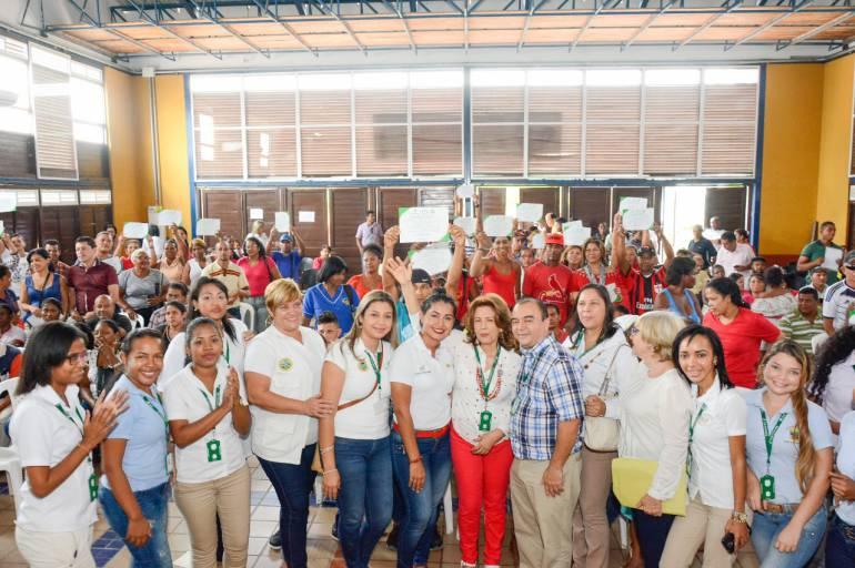Beneficiarios de 'Casa Pa Mi Gente' recibieron certificado en convivencia y acompañamiento social: Beneficiarios de 'Casa Pa Mi Gente' recibieron certificado en convivencia y acompañamiento social
