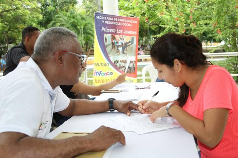 Jóvenes cartageneros participan en jornada de empleo y estudio