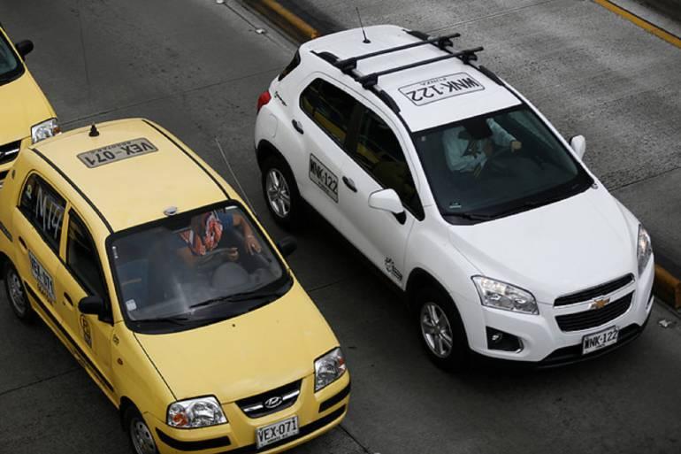 Taxistas: Taxistas siguen reclamando la poca intervención del gobierno frente a la piratería
