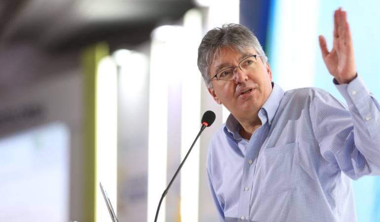No perdamos la confianza en Colombia por los discursos pre electorales: Minhacienda