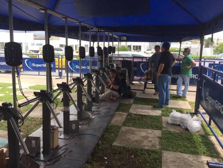 En vivo Visita del papa Francisco a Colombia: Transcaribe instaló torniquetes en Ceballos, para buses que irán a misa en Contecar