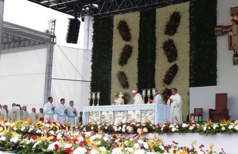 EN VIVO VISITA DEL PAPA FRANCISCO A COLOMBIA: Homilía del papa Francisco en misa de Medellín
