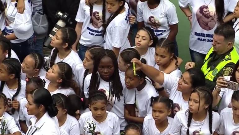 EN VIVO VISITA DEL PAPA FRANCISCO A COLOMBIA: Niños huérfanos en Hogares San José agradecen al papa Francisco