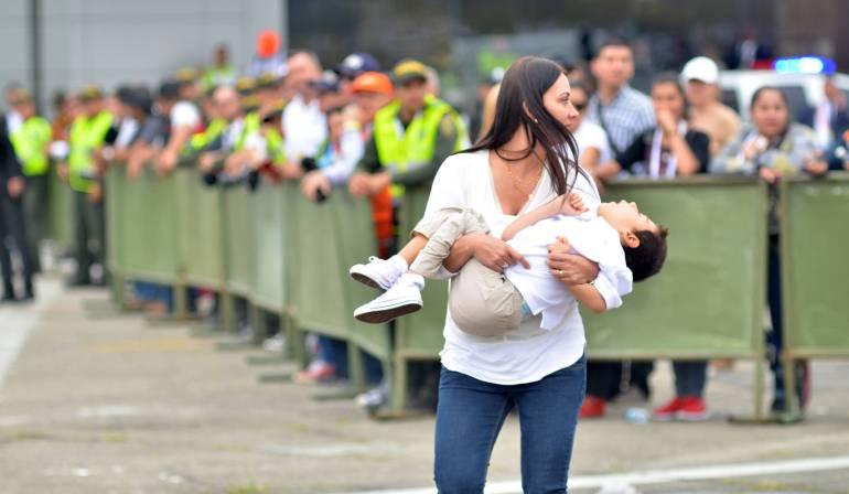Visita del papa Francisco a Colombia: La fe que no movió montañas, pero sí a una mamá que llegó hasta el papa