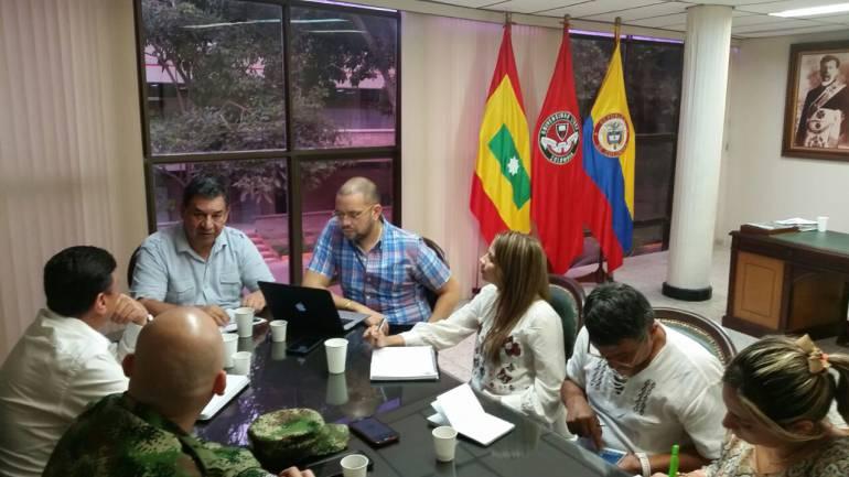 Durante reunión. Directivas Académicas y Administrativas de la Universidad Libre Seccional Barranquilla con el Departamento de Memoria Histórica de la Segunda Brigada del Ejército Nacional de Colombia.