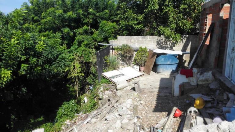 En peligro se encuentra un grupo de familias en el norte de Cartagena por deslizamientos: En peligro se encuentra un grupo de familias en el norte de Cartagena por deslizamientos