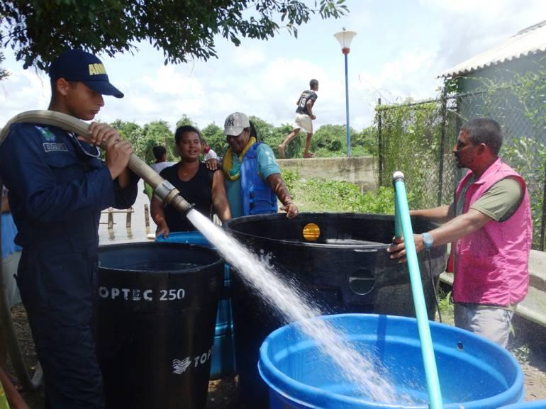 178 familias de Cartagena fueron beneficiadas en jornada humanitaria de la Armada Nacional: 178 familias de Cartagena fueron beneficiadas en jornada humanitaria de la Armada Nacional
