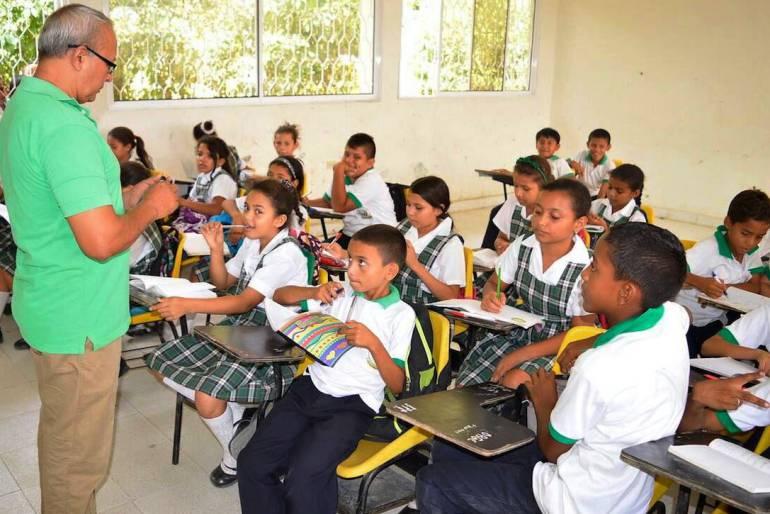"""Dos estudiantes de Bolívar al """"Campamento GENeración PAZcífica"""" del MinEducación: Dos estudiantes de Bolívar al """"Campamento GENeración PAZcífica"""" del MinEducación"""