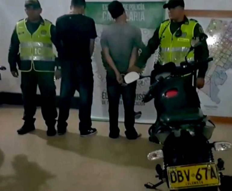 CINEMATOGRÁFICA ACCIÓN CAPTURA DOS DELINCUENTES MEDELLÍN: En cinematográfica acción de las autoridades capturan dos delincuentes en Medellín