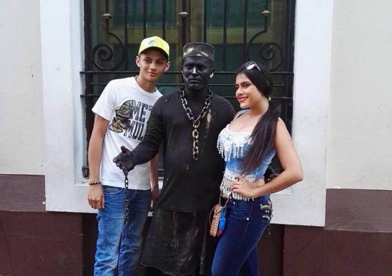 Estatuas humanas de Cartagena piden que los dejen trabajar: Estatuas humanas de Cartagena piden que los dejen trabajar