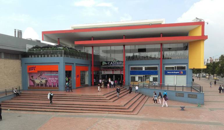 Evacúan CC Plaza Imperial por amenaza de explosivos — Bogotá