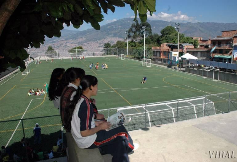 Medellín se une a la jornada para prevenir embarazos en la adolescencia