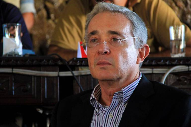 MEDELLÍN, URIBE, ARREMETIÓ, PRECANDIDATOS, ABANDONADO, SANTOS: En Medellín, Uribe arremetió contra precandidatos que han abandonado a Santos