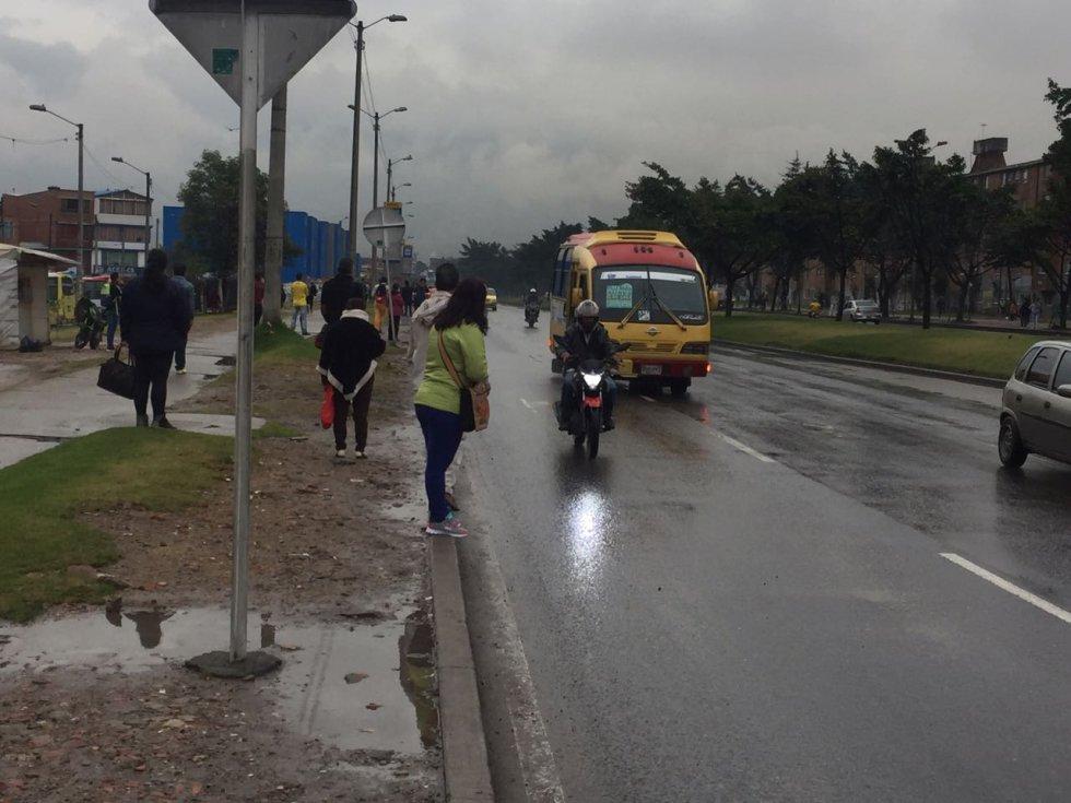 Levantan pico y placa para buses tradicionales en Ciudad Bolívar según los primeros reportes que entregan desde la localidad, unos buses zonales están pasando muy llenos y con una baja frecuencia.