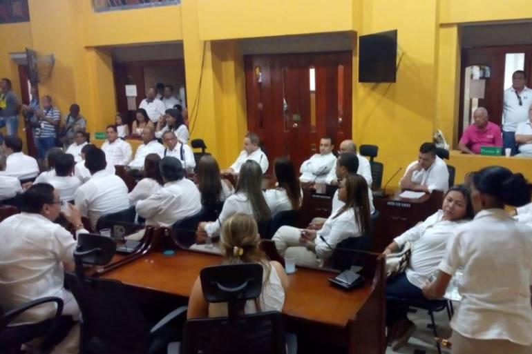 Citan debate para revisar posible suspensión masiva de colegios en Cartagena: Citan debate para revisar posible suspensión masiva de colegios en Cartagena