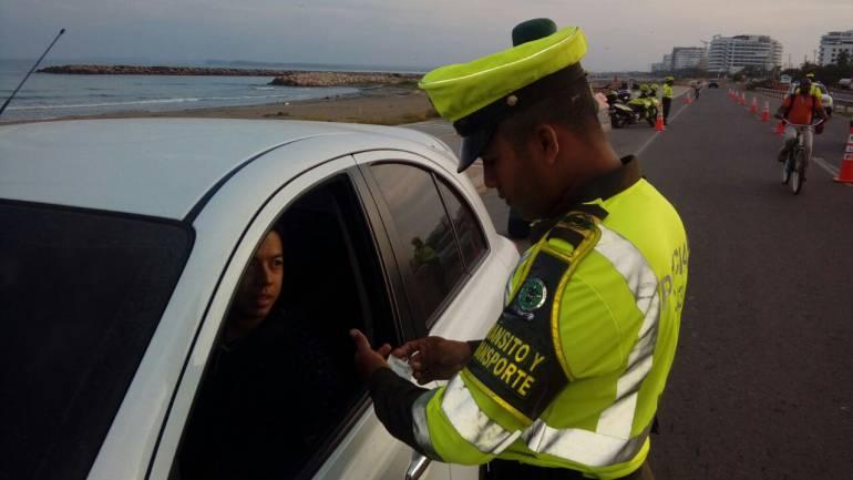 Policía adelanta operativos de tránsito para el puente festivo en Cartagena