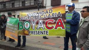 Con plantón, campesinos protestaron por la crisis agropecuaria en Boyacá: Con plantón, campesinos protestaron por la crisis agropecuaria en Boyacá