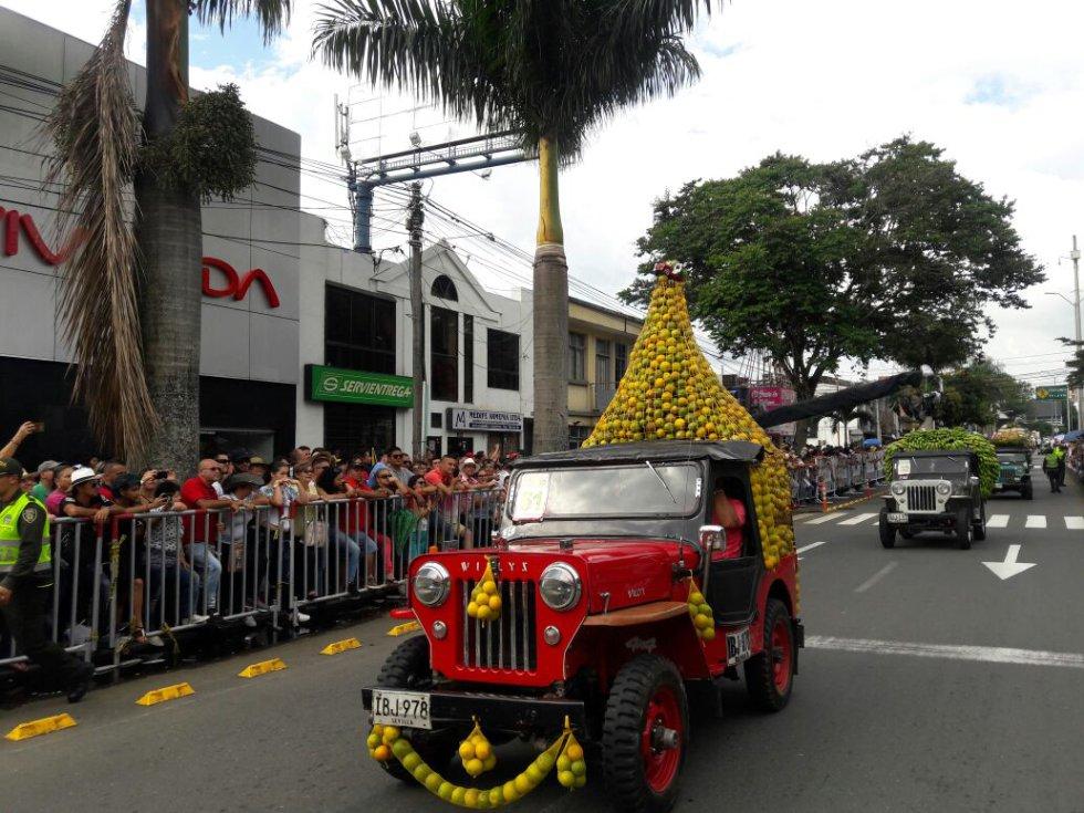 En la modalidad de carga no tradicional, los yiperos se lucen con la forma de cargar su jeep