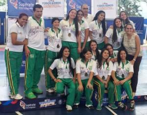 12 jóvenes de la institución educativa celebraron la medalla de oro
