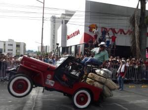 Guama participando de los piques en el desfile del Yipao en Armenia 201
