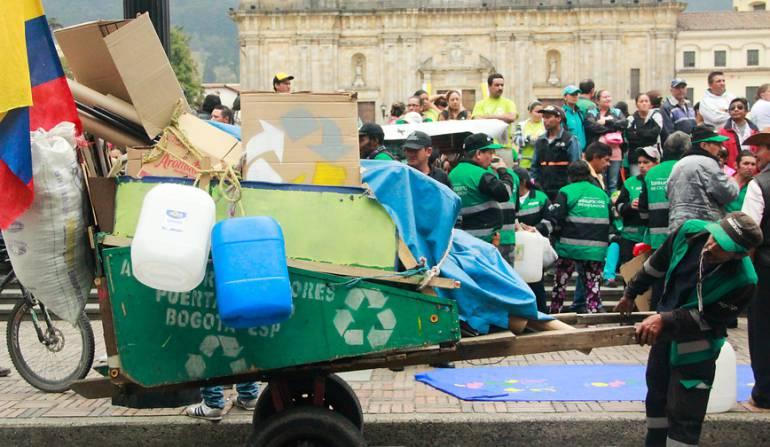 Licitación de aseo en Bogotá recicladores: El Distrito nos deja por fuera en licitación de aseo en Bogotá: recicladores