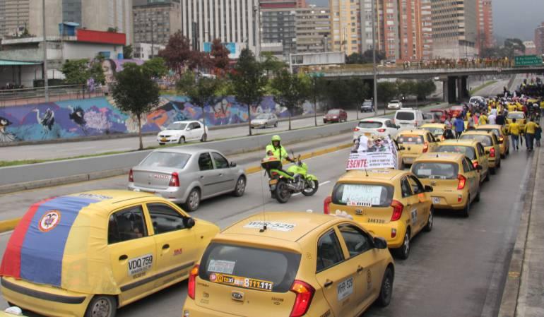 Caos de movilidad en Bogotá por paro de taxistas