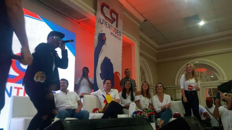 Campaña Vargas Lleras niega presiones para recoger firmas