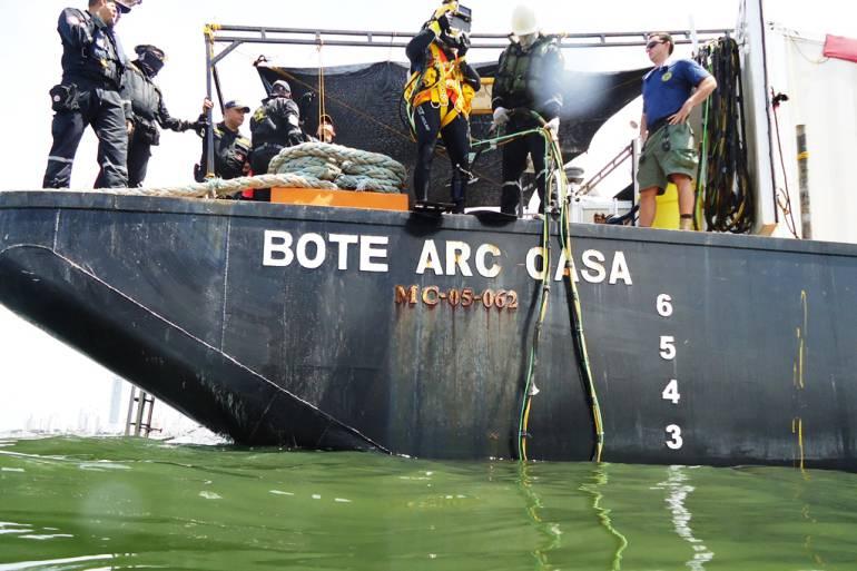 Armada Nacional realizó intercambio de conocimientos con buzos de la armada de EE.UU.: Armada Nacional realizó intercambio de conocimientos con buzos de la armada de EE.UU.
