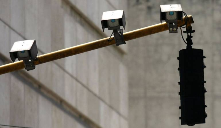 Modernización de semáforos Bogotá: Modernización de semáforos seguirá adelante: Peñalosa