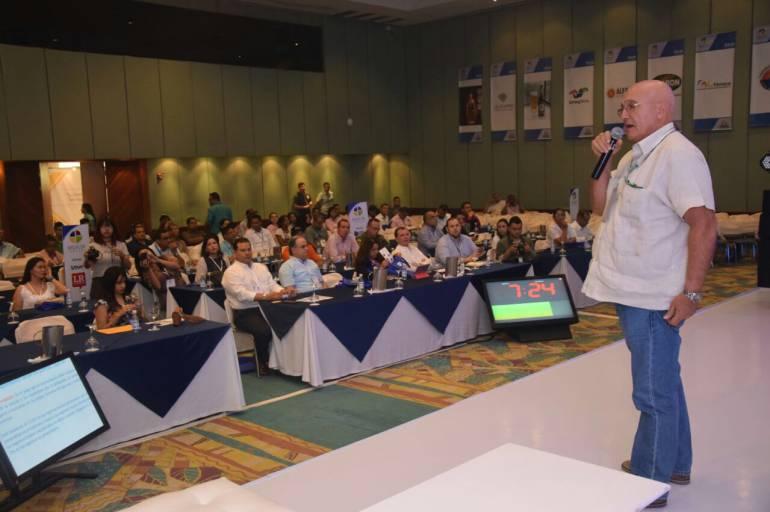 Domingo Chinea, presidente Puerto de Santa Marta, dirigiéndose al auditorio. /FOTO PUERTO DE SANTA MARTA