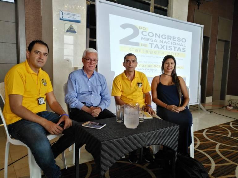 Taxistas piden en Cartagena a Gobierno 'apagar' plataforma Uber en Colombia: Taxistas piden en Cartagena a Gobierno 'apagar' plataforma Uber en Colombia