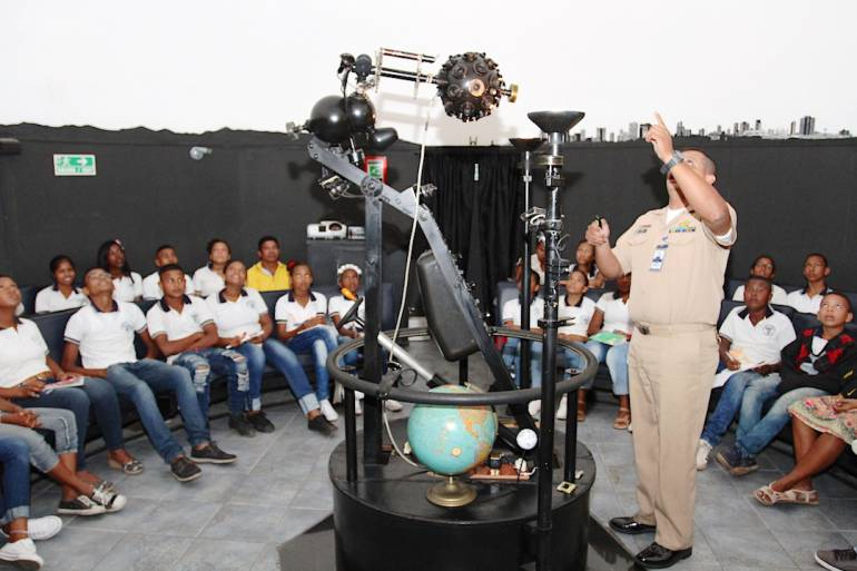 50 estudiantes de Mahates conocieron el 'Planetario' de Cartagena: 50 estudiantes de Mahates conocieron el 'Planetario' de Cartagena