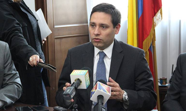 Procuraduría pide a la ANI detener compra de predios del senador Lizcano